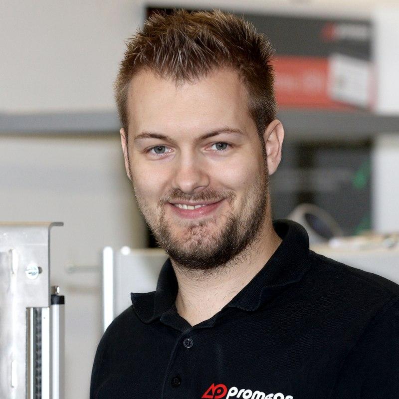 Dominik SpörlCustomer service